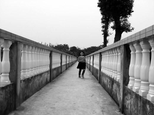 【邵阳】北塔生态产业园将废弃水渠改造成高架步道