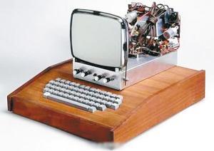 """古董级第一代苹果电脑拍出67万美元""""惊世价""""(图)图片"""