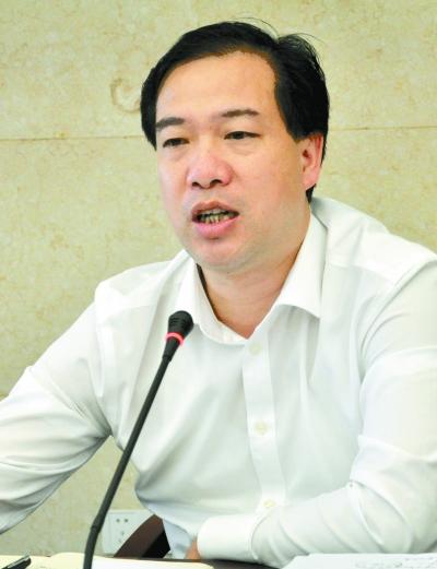 双峰县县长杨维 大力完善农村基础设施