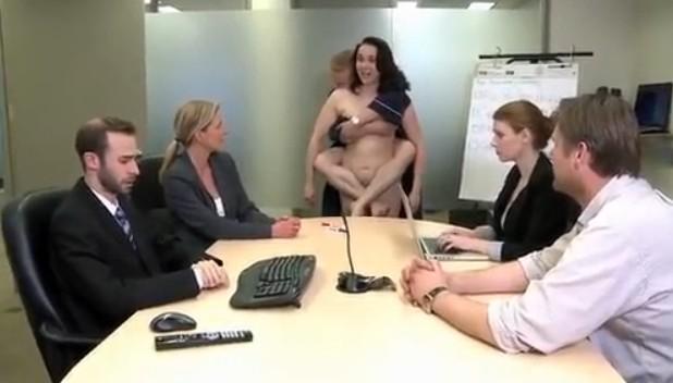 视频没有衣服可以穿了