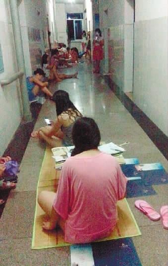 交4000元建校费宿舍像蒸笼 湘潭职院学生求装空调被拒图片