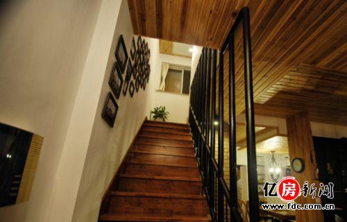 欧式楼梯下面的柜子图片