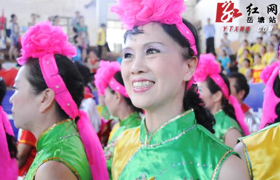 """全民健身日 岳塘区43支舞蹈队决战""""舞林"""""""