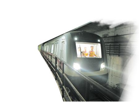 长沙地铁2号线首列地铁带电试跑 力争年底车