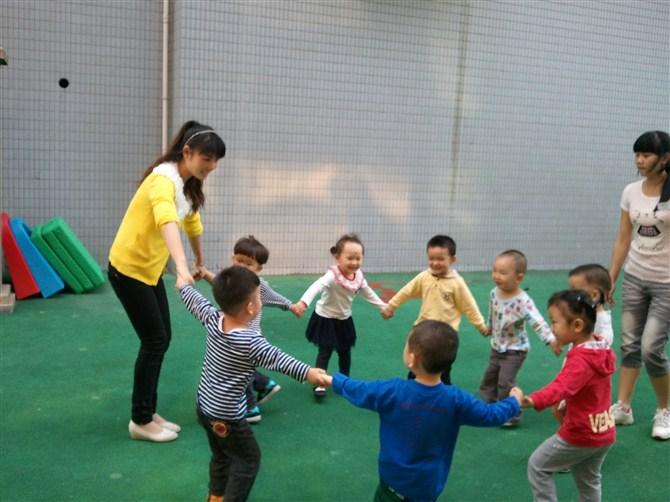 www.fz173.com_最美幼儿教师宣讲稿。