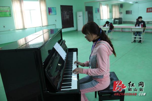 昭山社会事业局举办首届幼师技能比武大赛(组