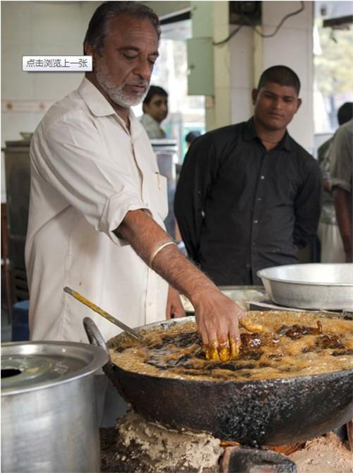 [教学]牛!开挂的印度视频裸手炸鱼厨师vb视频图片