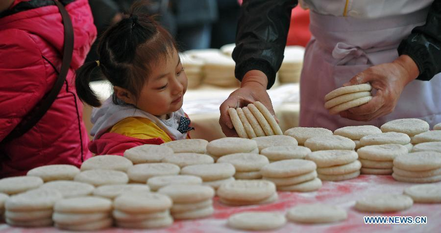 Spring Festival's traditional snacks