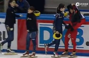 [视频]13年短道世界杯 李坚柔曾遭韩选手击打腹部