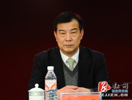高建国简历_市政协副主席高建国出席会议