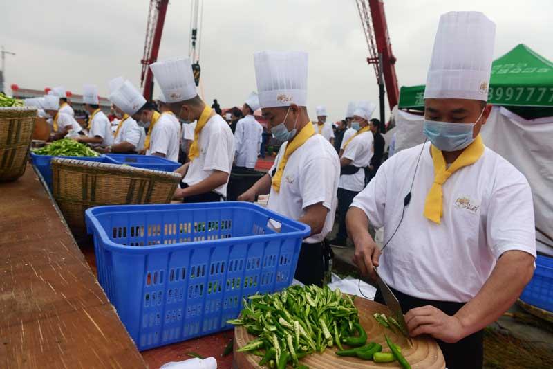 Fried up: Chili pork bonanza in Central China