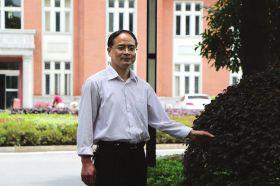 5月9日,湘乡市委大院,组工干部彭志清。图/通讯员张碧海