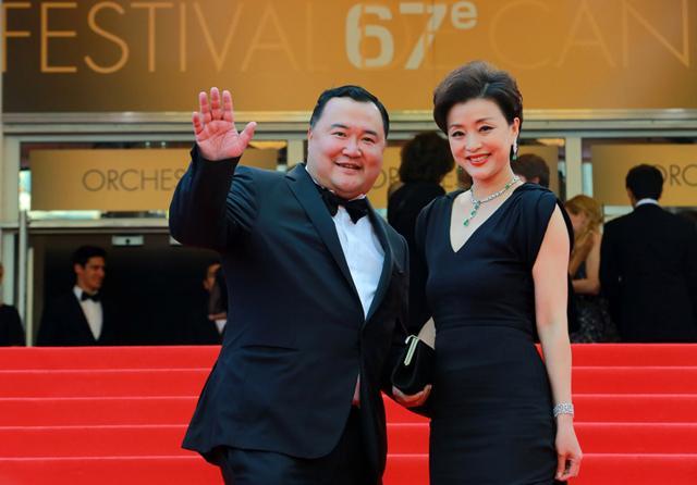 杨澜/吴征、杨澜夫妇亮相第67届戛纳电影节开幕红毯