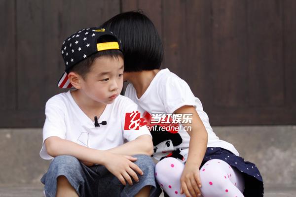 《爸爸去哪儿2》六个萌娃可爱至极,广受网友喜爱,尤其是杨阳洋和