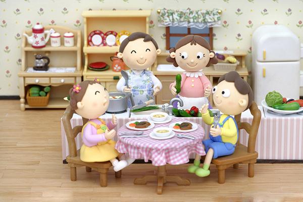 良好的餐桌礼仪会使整个家庭和乐