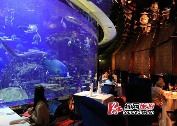 帆船海底餐厅