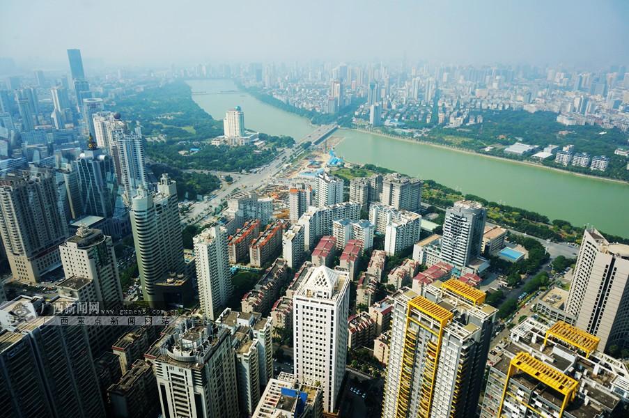 [网媒广西行22日掠影]鸟瞰南宁城市建设全貌