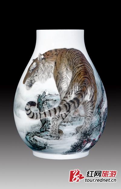 让传承与创新交相辉映:熊晖先生及其陶瓷艺术