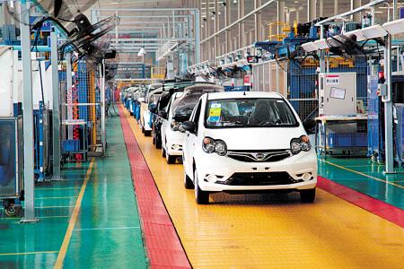 比亚迪汽车生产线