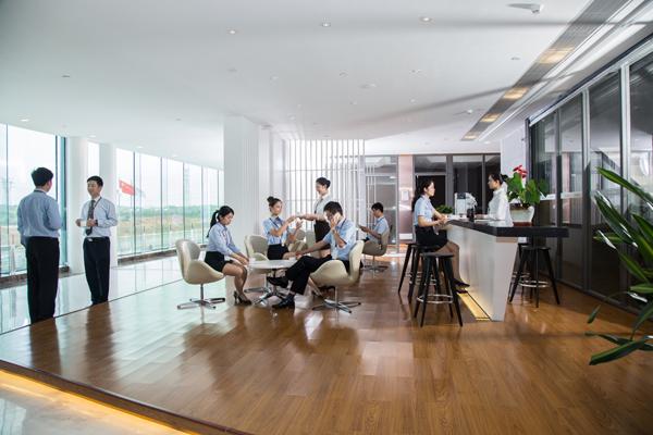 舒适的办公环境_泰富重装舒适的办公环境