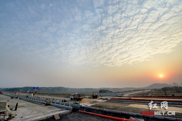 天易示范区项目有序推进 1-10月完成378.9亿元