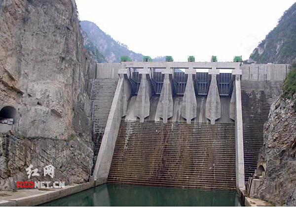 湖南省建筑工程集团总公司水利水电工程公司代表工程:青海盐湖工业图片