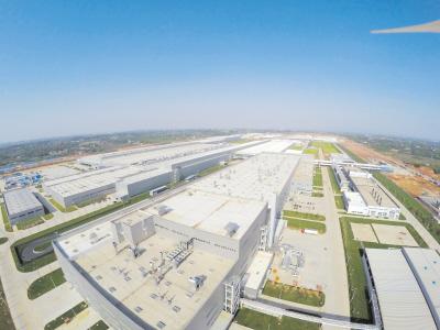 昨日,记者从上海大众长沙工厂项目现场走访看到,厂区外的配套工程正紧