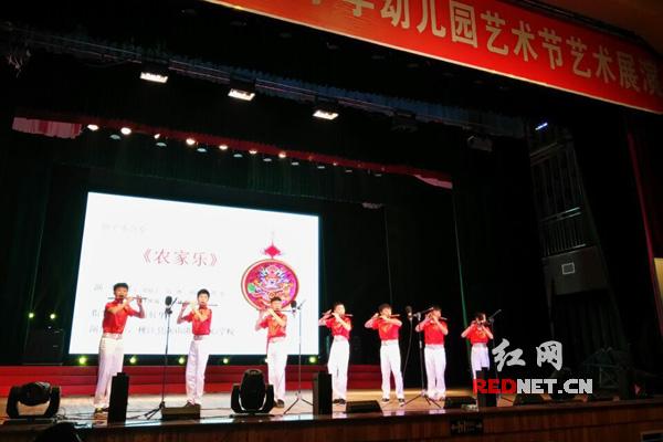 /桃江县第八届中小学幼儿园艺术节开幕