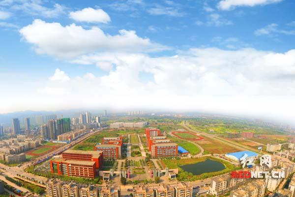 重庆电讯职业学院 学生当毕业 创客 年收入近20万