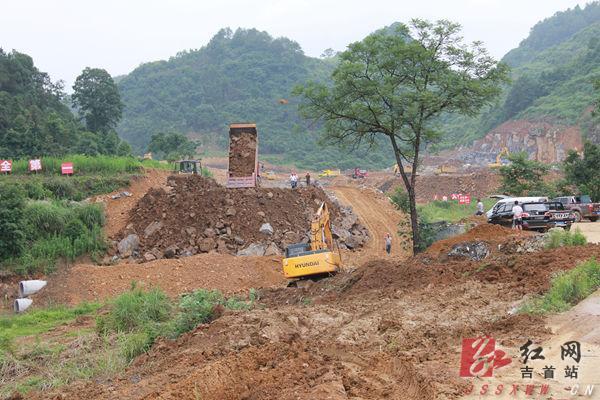 吉首:刘珍瑜现场调度重点项目进展高中什么情况武隆有些图片