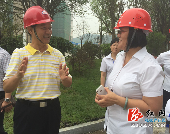 朱国军调研张家界蓝湾博格国际酒店建设情况