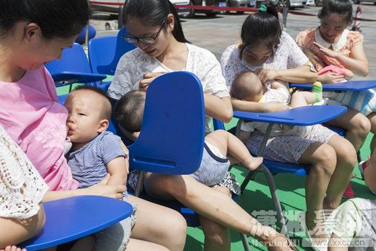30位妈妈快闪母乳喂养一分钟图片