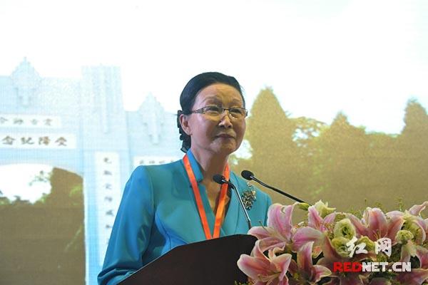 飞虎队历史委员会名誉主席、著名侨领、海外抗日战争纪念馆创始人及荣誉馆长方李邦琴女士发表主题演讲。