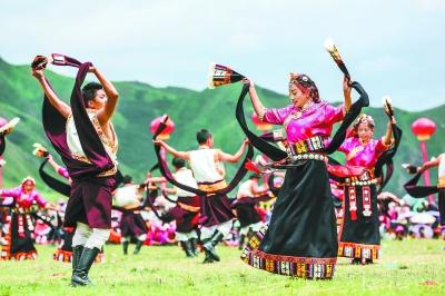"""甘南藏族锅庄舞的""""碌曲模式"""""""