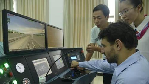 10 Developing Countries Seek Cooperation on Hunan High-speed Rail Technology
