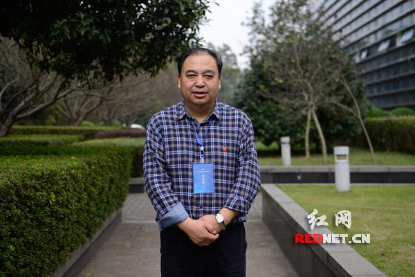 多彩贵州网党委书记、董事长晏世忠