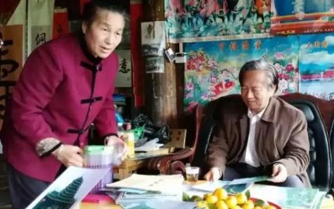 杜钢建教授在通道县考察上古湘西佛教产生的环境