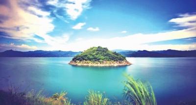 严格水资源管理,重要江河湖泊水功能区达标率提升。图为位于资兴市的东江湖。童迪 摄