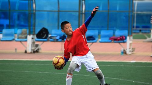 《中国少年足球战队》首播获好评 足球梦也是中国梦