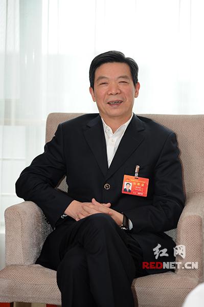 湖南省人大代表、湖南兴旺集团董事长候兴旺建议,为了加快增材制造技术尤其是3D打印技术的快速发展,湖南应形成多部门联动机制,采取切实措施,加快推动增材制造技术发展。(摄影章尧)