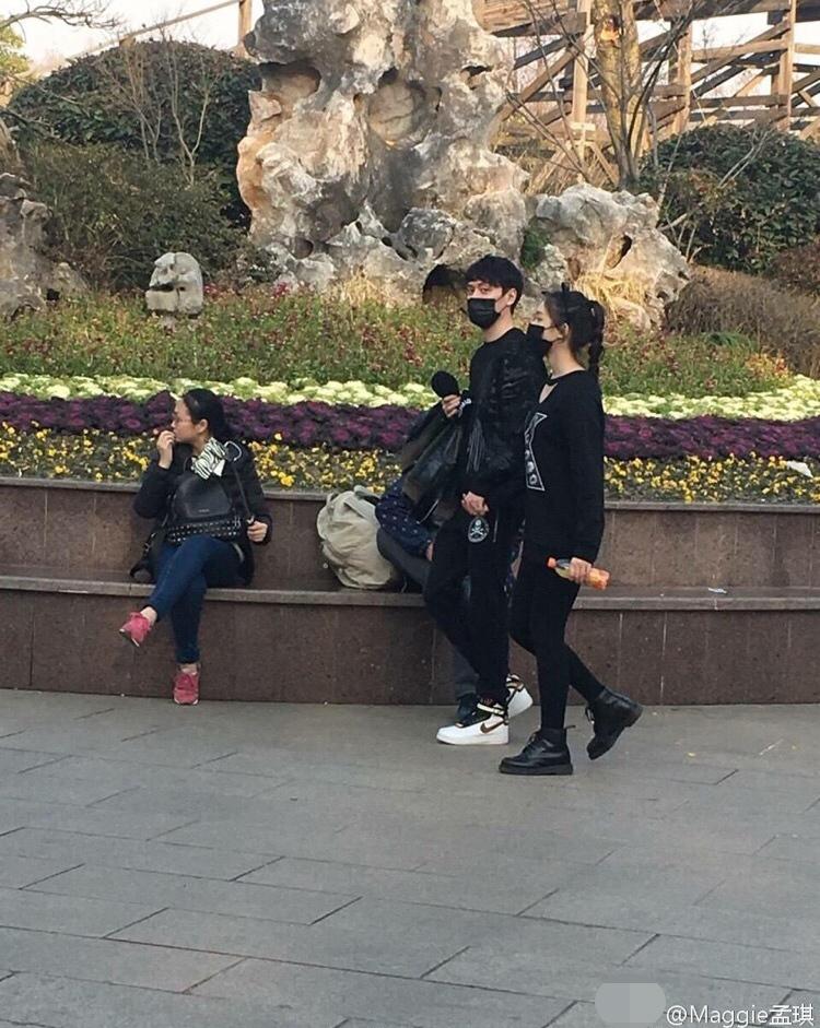 冯绍峰被疑与倪妮相恋时劈腿图片
