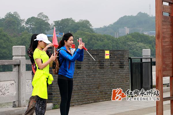 活动选手途中欣赏记录零陵古城美景