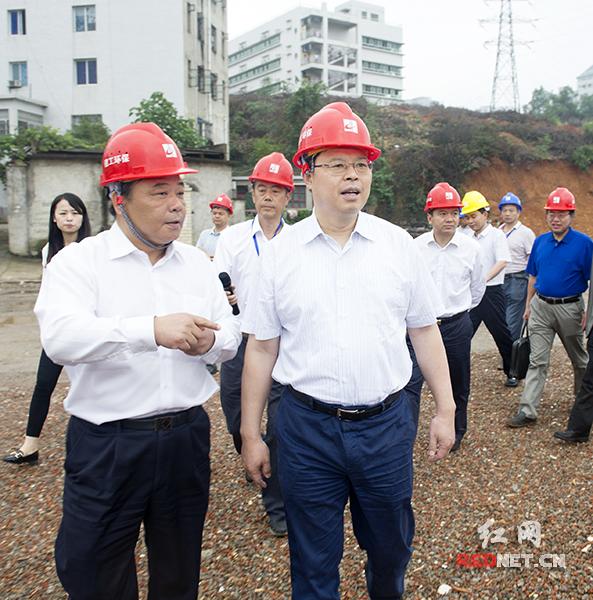 湖南省副省长张剑飞调研长沙市雅塘片区综合改造固废垃圾处理项目、长沙重型机械厂棚改项目。
