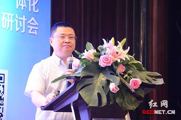 易事特集团董事长何思模表示,未来两年将投入5亿元,布局湖南新能源充电桩建设。