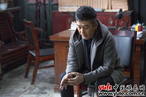 王志飞为组员奔走不停歇 变情感专家感慨万千