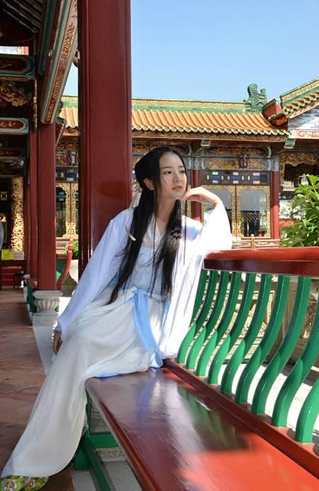《唐伯虎之幻性奇缘》主要演员巡游宝墨园