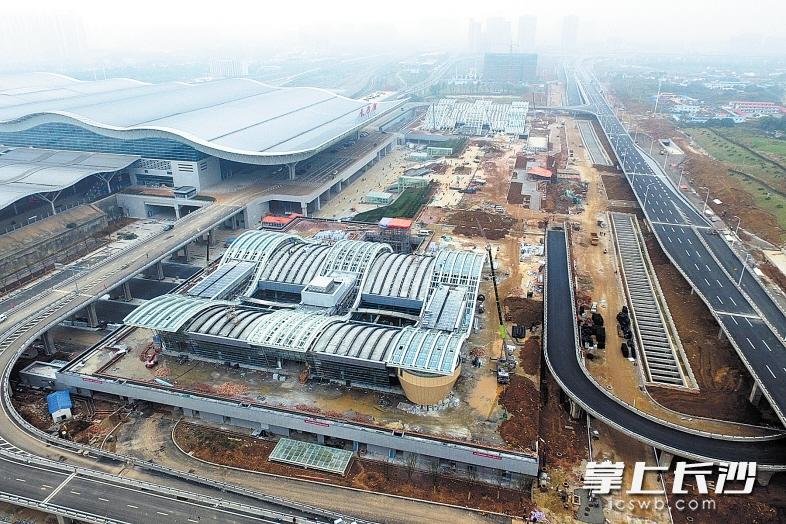 长沙火车南站东广场年内投用