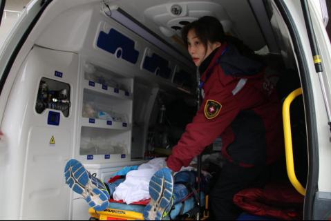 国内首档急救医生纪实真人秀《紧急救护120》正式开机