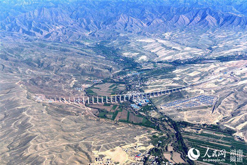 援疆项目建设中的石人沟子大桥