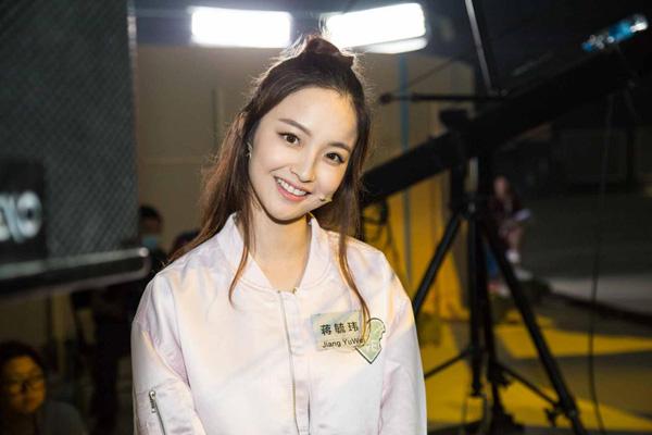 """郭京飞让她演《暗黑者3》 """"僵尸女""""一夜爆红"""